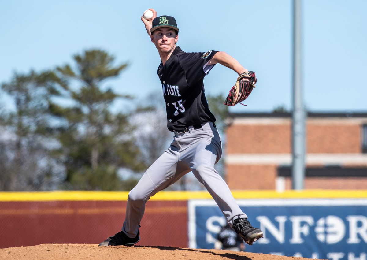 Baseball nearly makes comeback in Saturday loss to Rockhurst