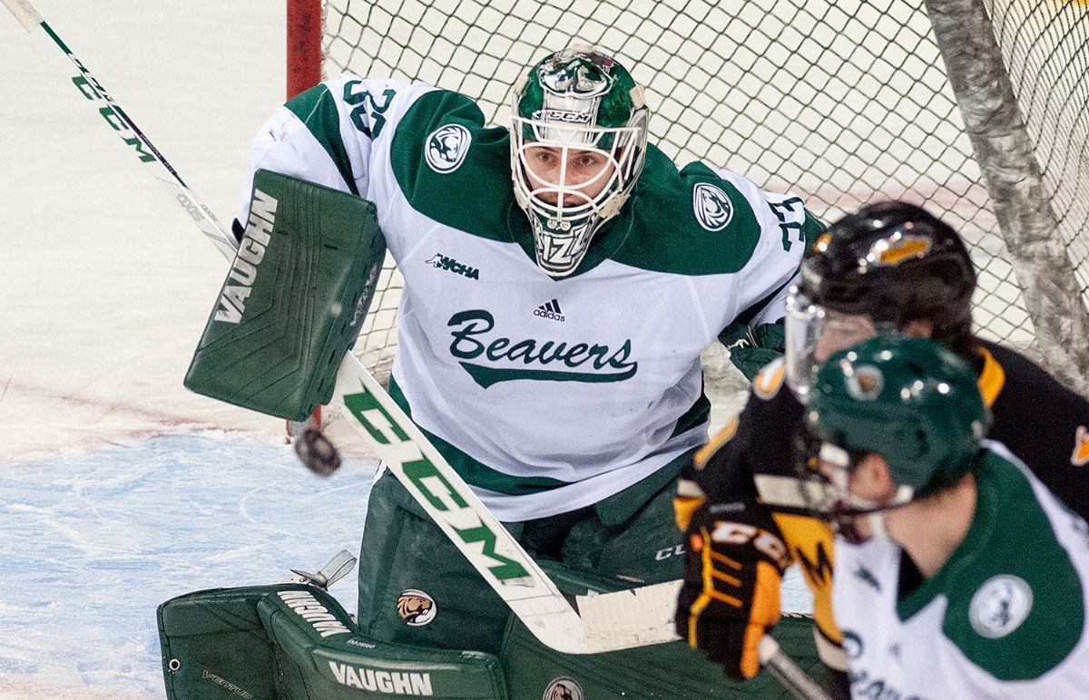 Beavers flip switch in second period, beat MTU 4-1 to advance to WCHA semifinal