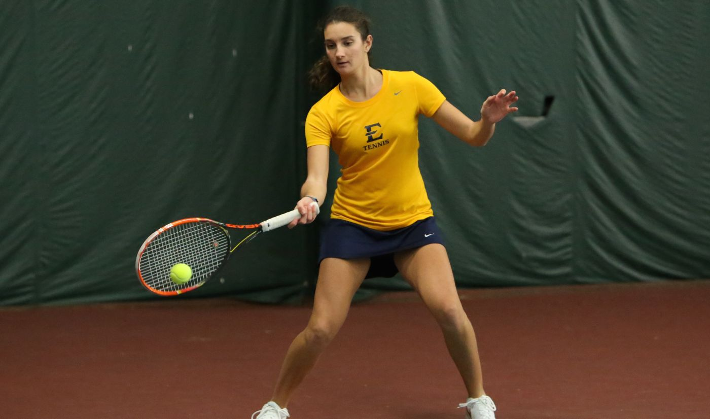 Women's Tennis tops West Virginia on the road