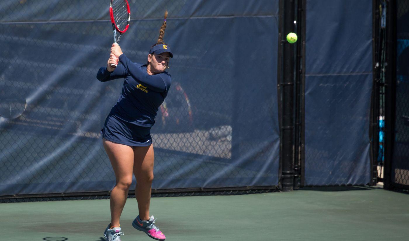 Women's Tennis picks up a 6-1 win over Samford