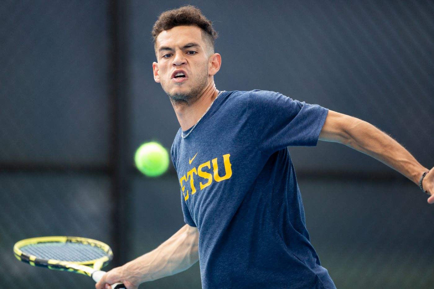 Owls' Singles Play too much for Bucs