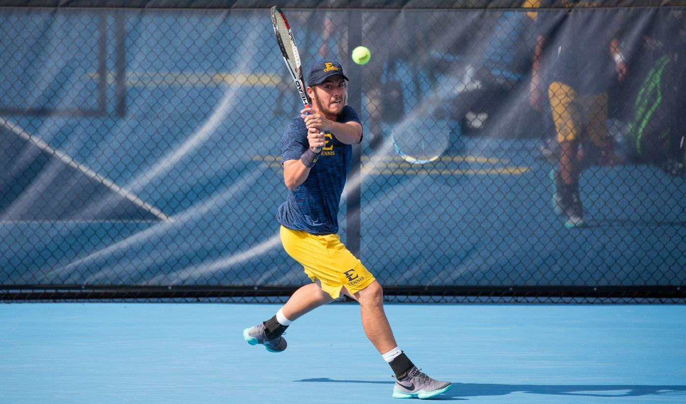 Men's Tennis defeats Charlotte 6-1 in non-conference battle