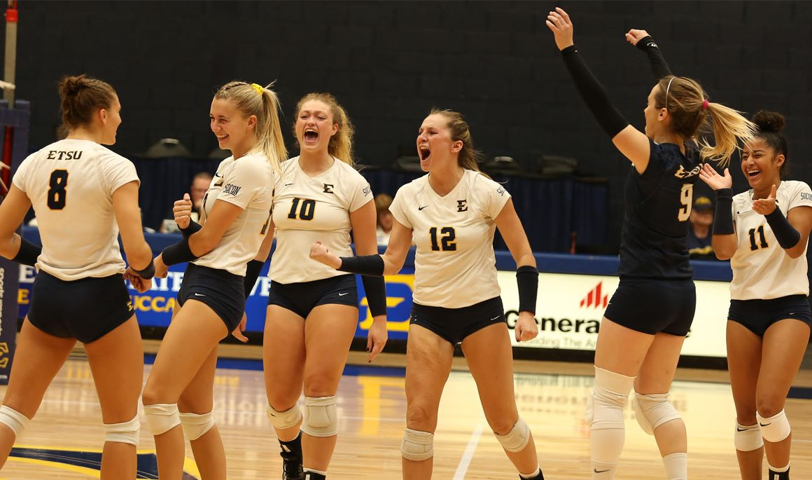 Volleyball downs Belmont 3-0 to cap off perfect weekend