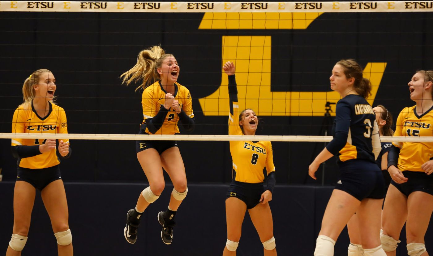 Bucs cruise past Chattanooga in three sets