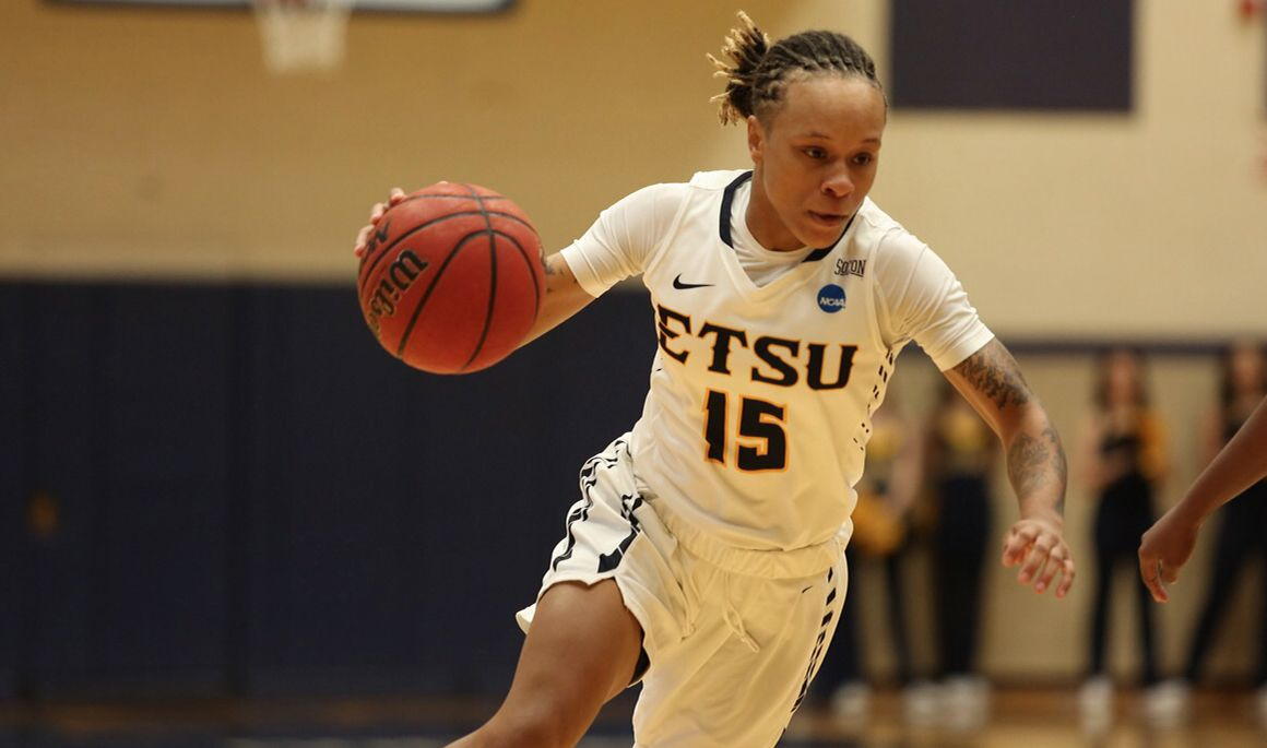 Tarter joins 1,000-point club; ETSU suffers 79-51 loss to Elon