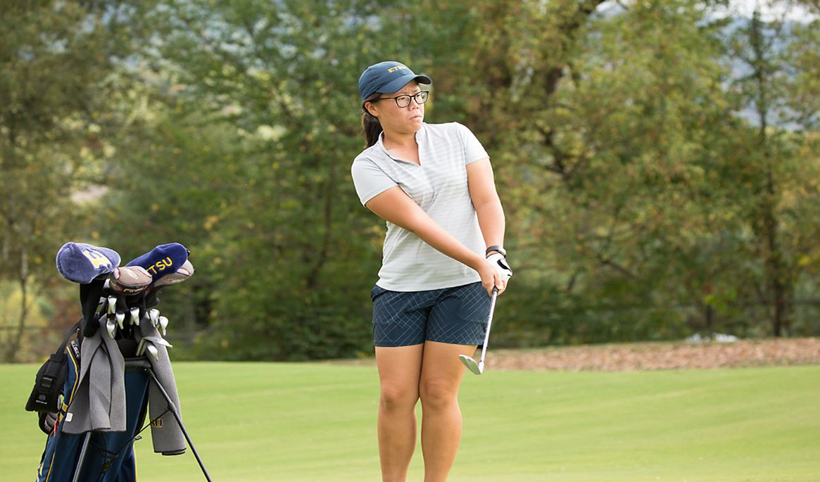 Nationally Ranked Bucs Among Best at Golfweek Challenge After One Day of Play