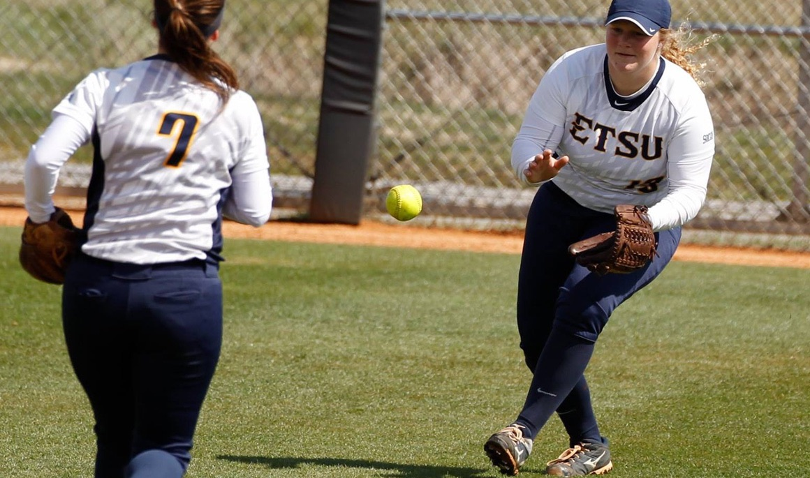 ETSU splits doubleheader at Morehead State