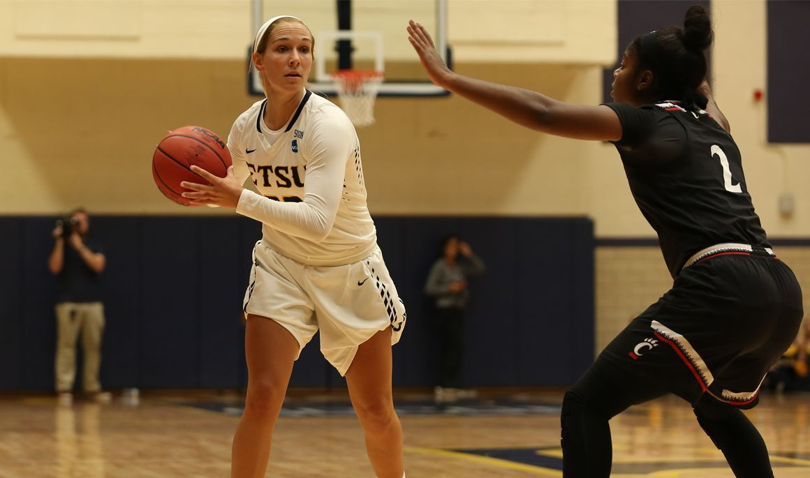 Bucs hit the road to take on No. 14 Tennessee on Sunday