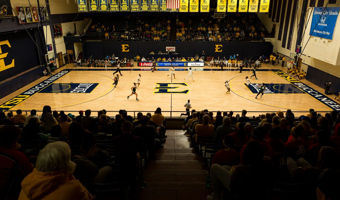 Women's basketball excited to begin 2018-19 season