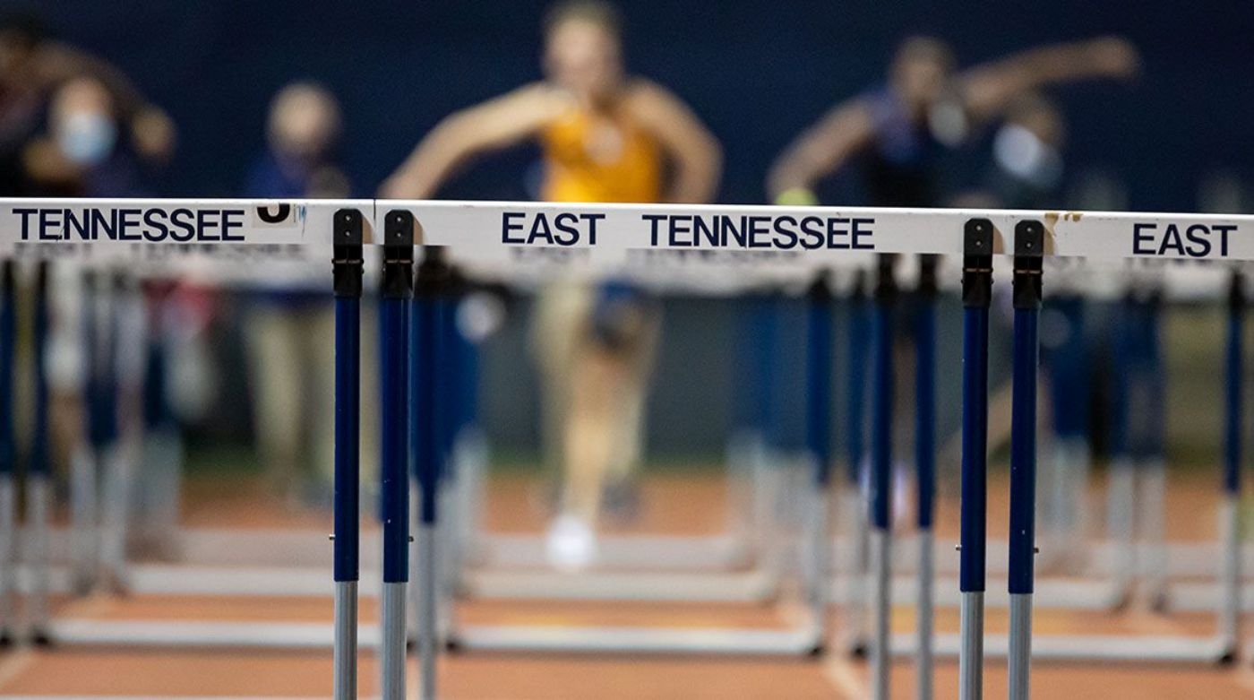 Track and Field Split to Take on Dual Meets Over the Weekend