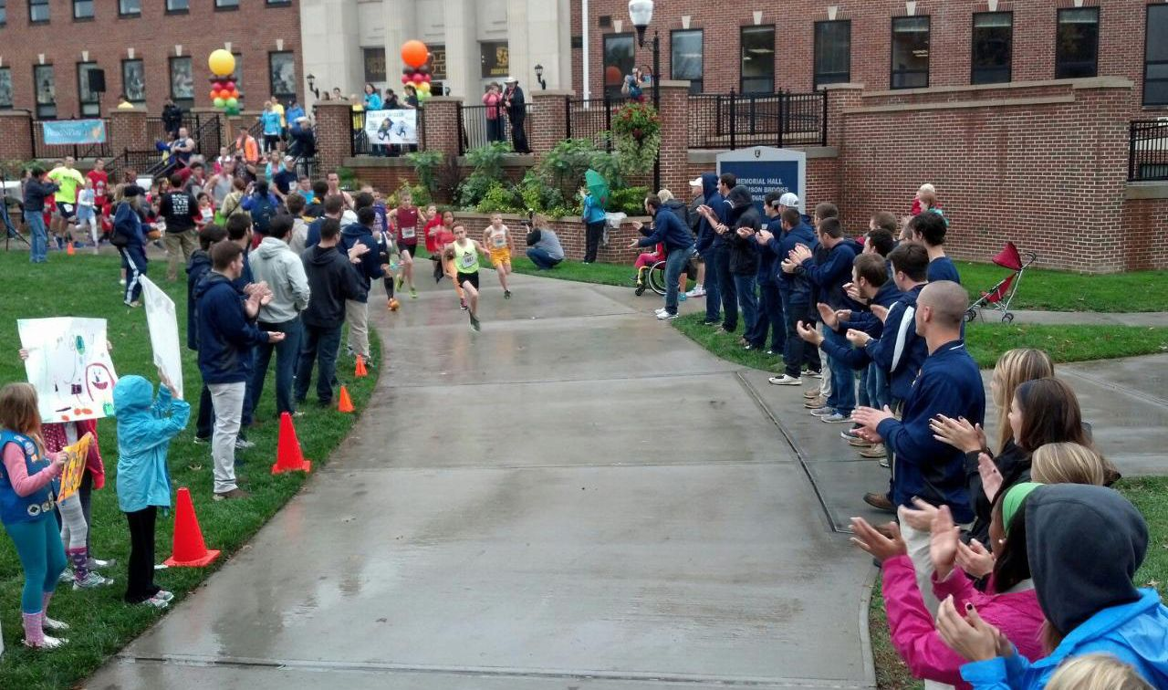 ETSU Athletes help to put on the Scarecrow Skedaddle event