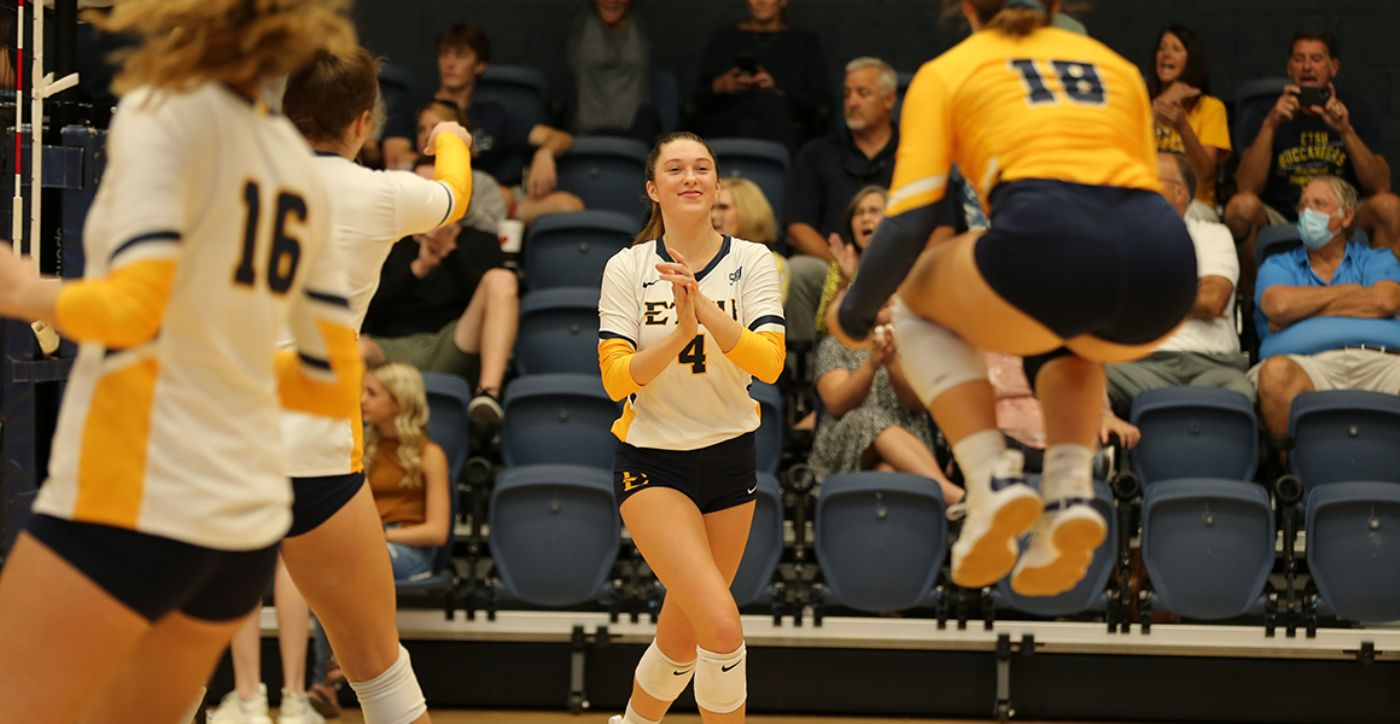 Dykes Goes Back-to-Back Setter of the Week