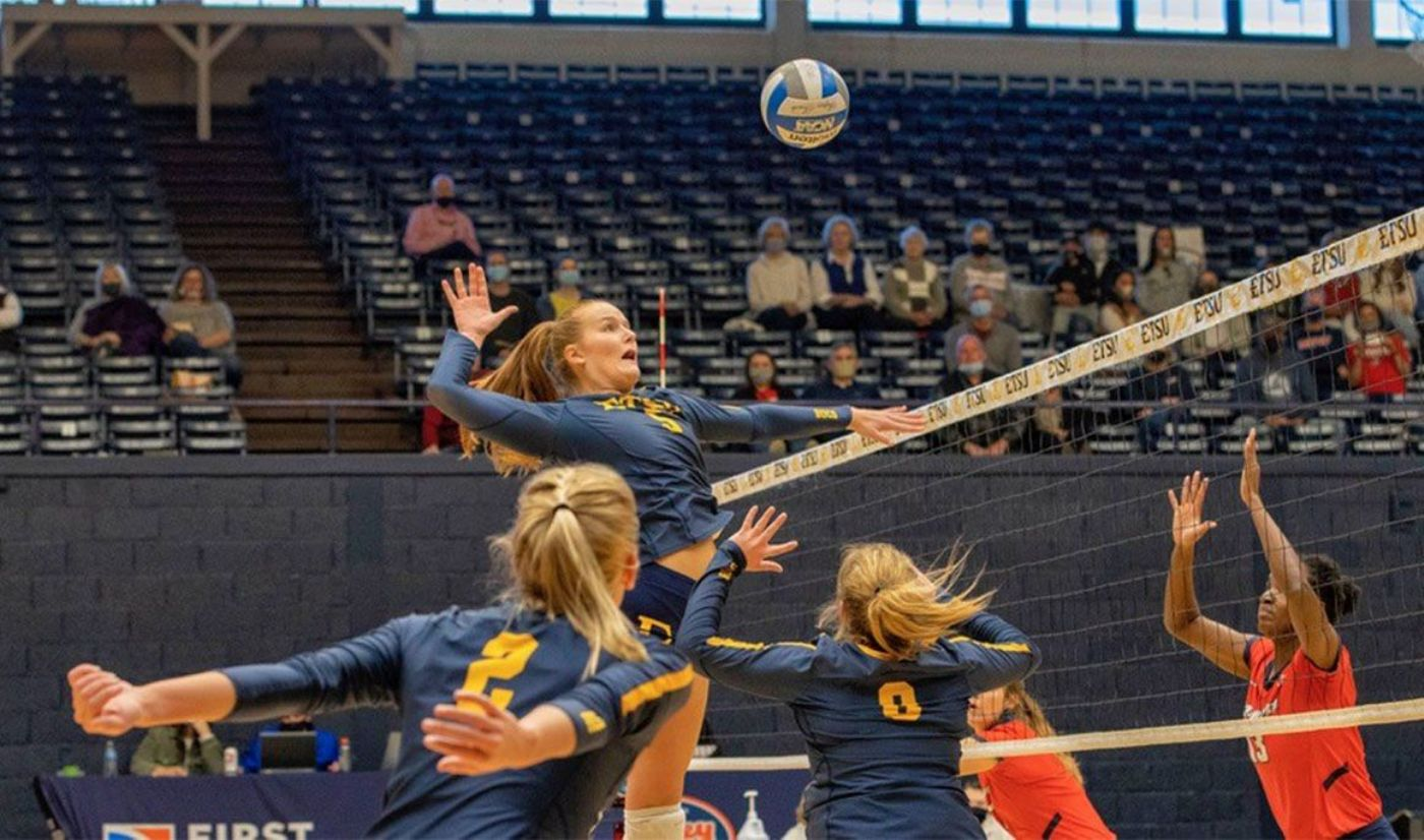 Fast Start Not Enough for Bucs to Defeat First Place Bulldogs