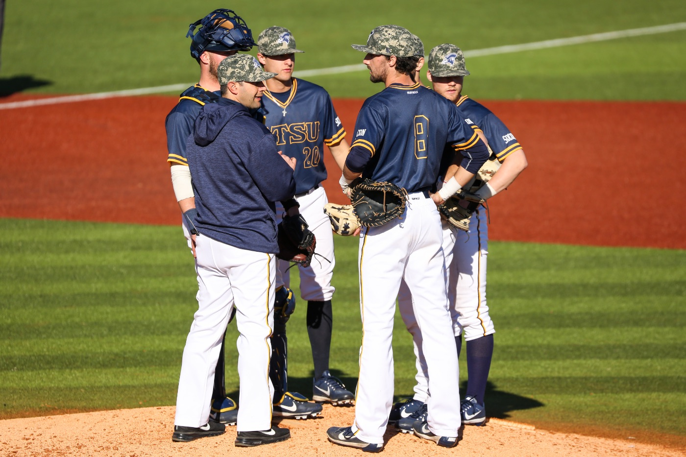 Colonels snap ETSU's undefeated midweek streak