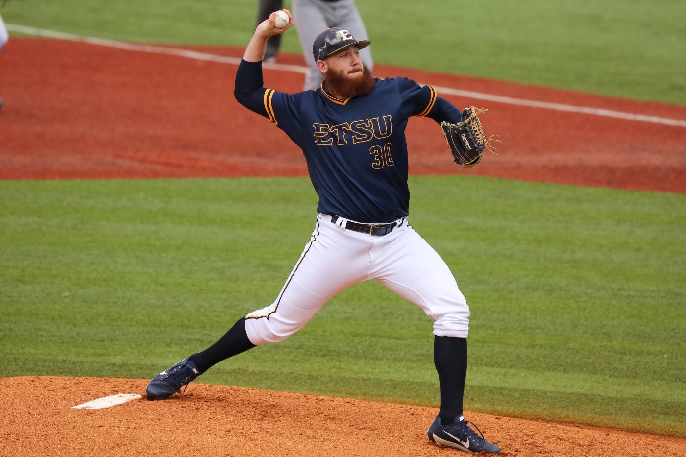 Baseball splits road double-header with UNCG