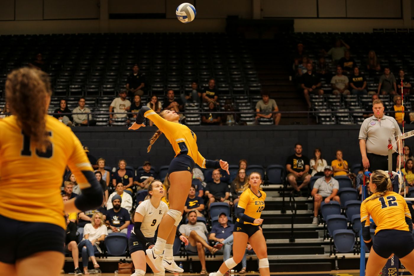 Volleyball earns 3-1 road victory over Furman
