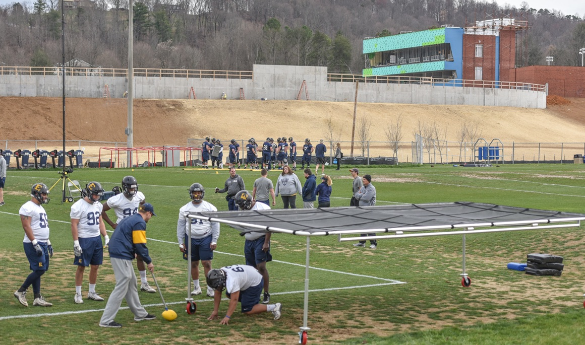 Bucs wrap up day one of spring practice