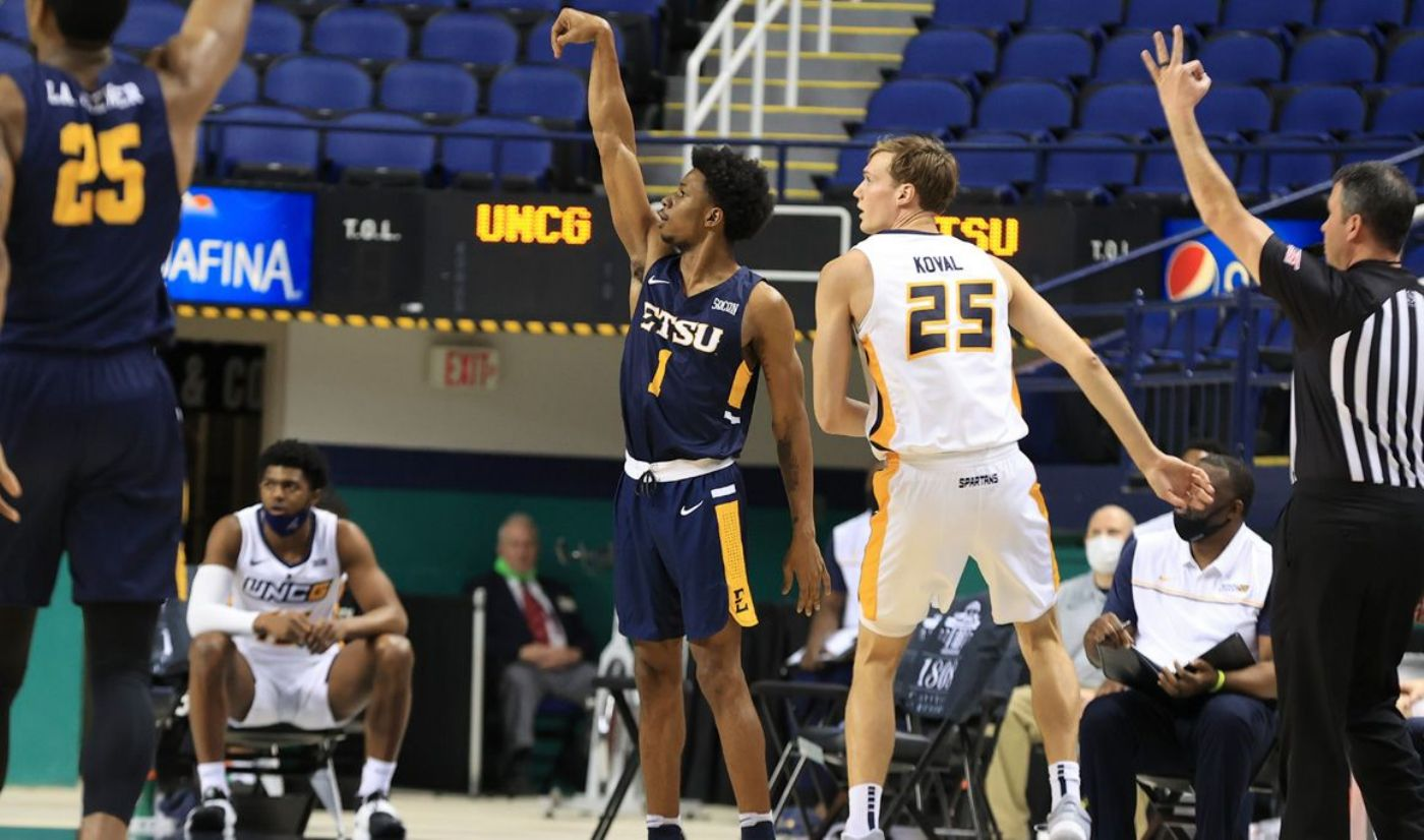 Strong starts fuel Bucs to road win at UNCG, 71-61