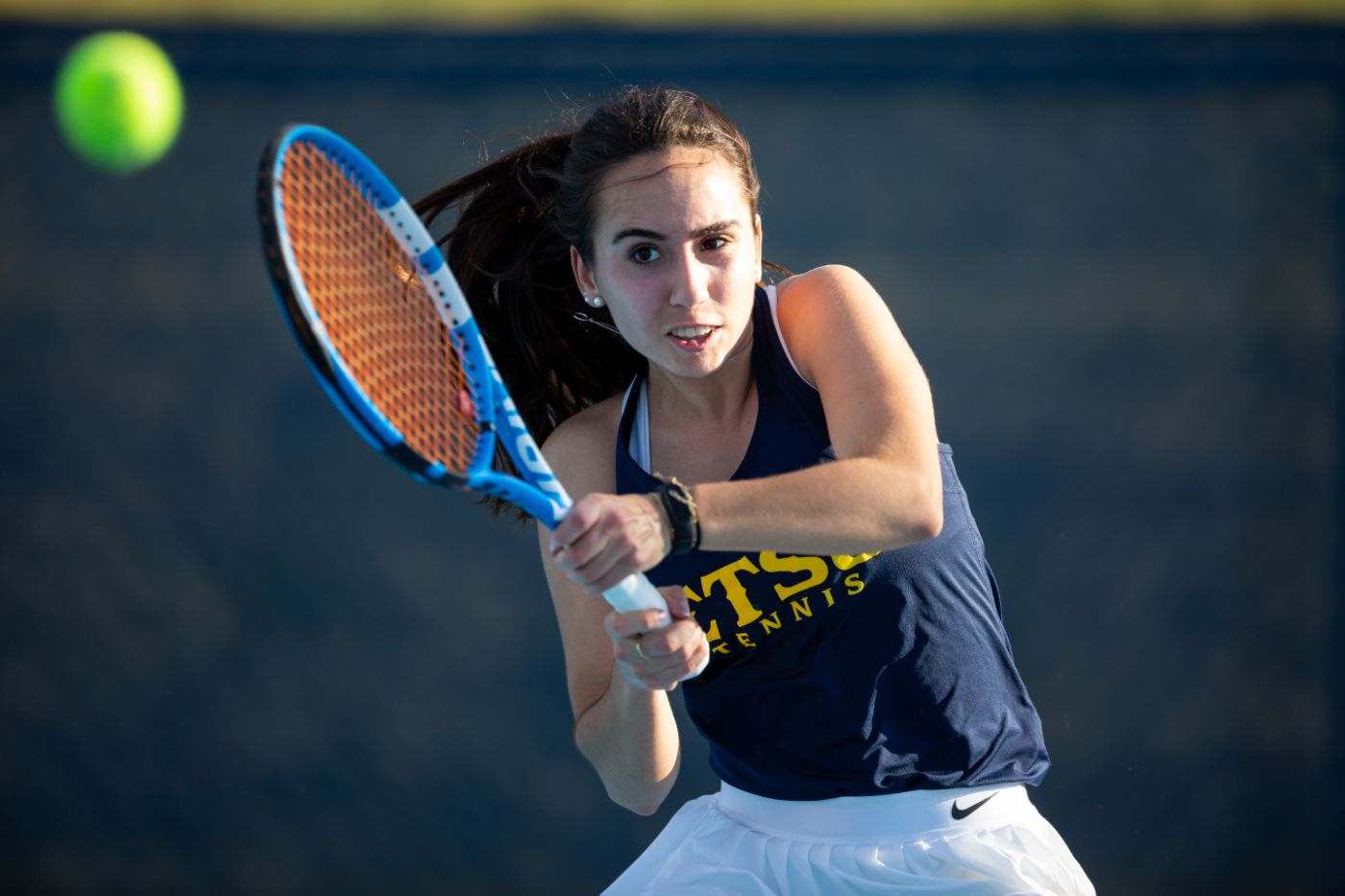 Women's tennis edged by Appalachian State, 4-3