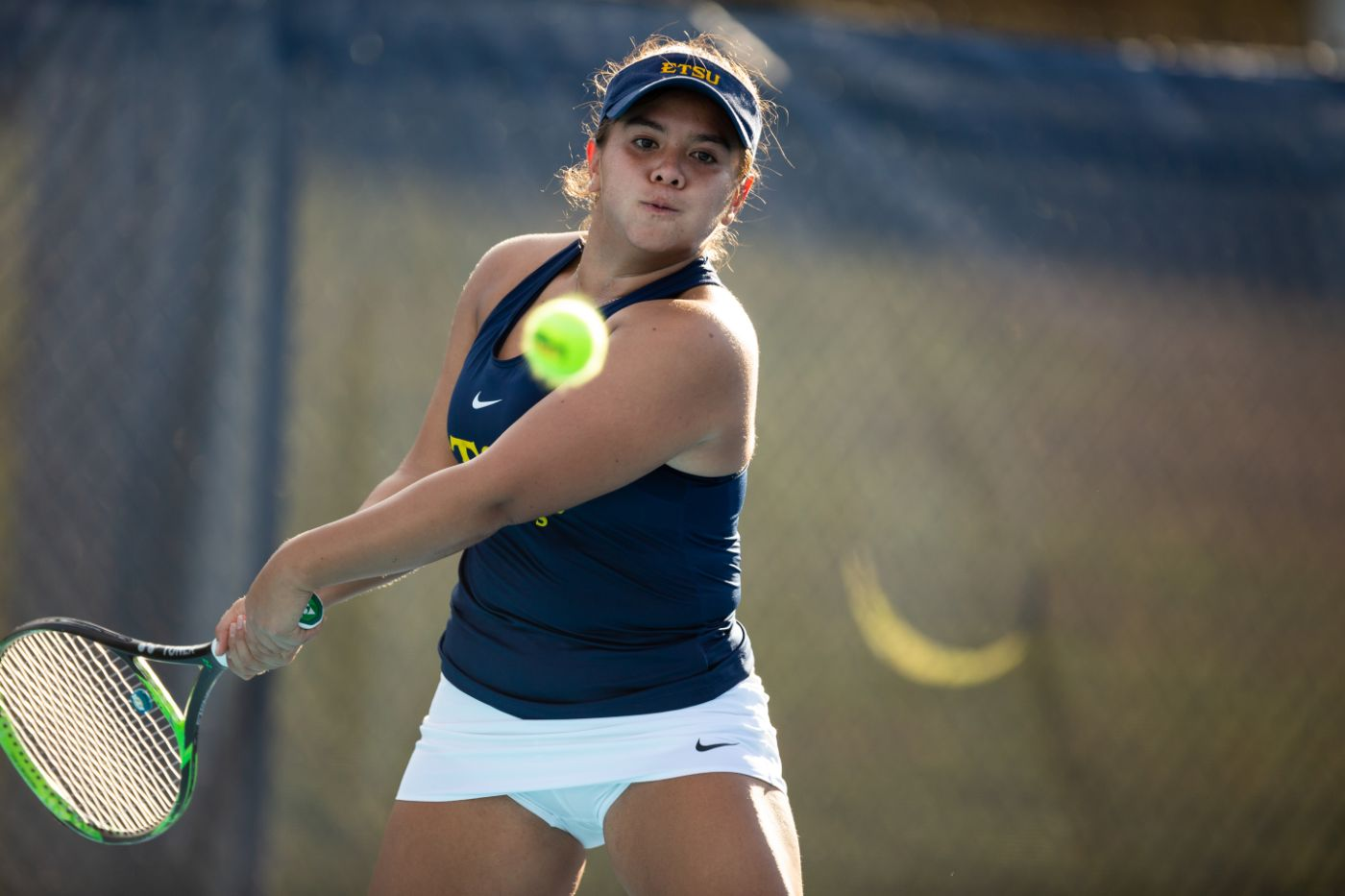 Women's tennis defeated by No. 29 Tennessee, 4-0
