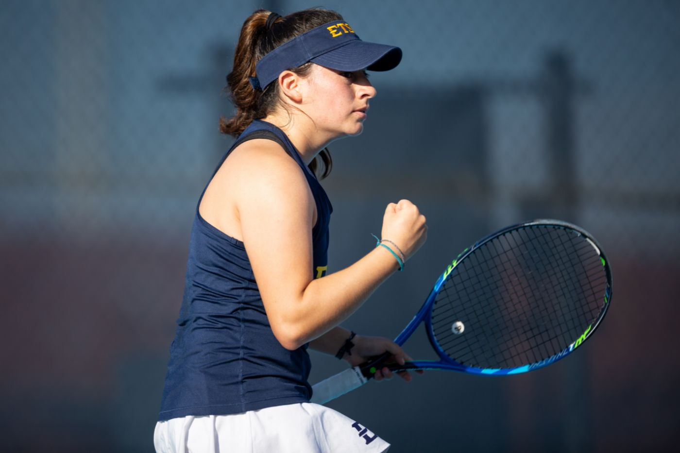 Women's tennis cruises past Wofford, 6-1