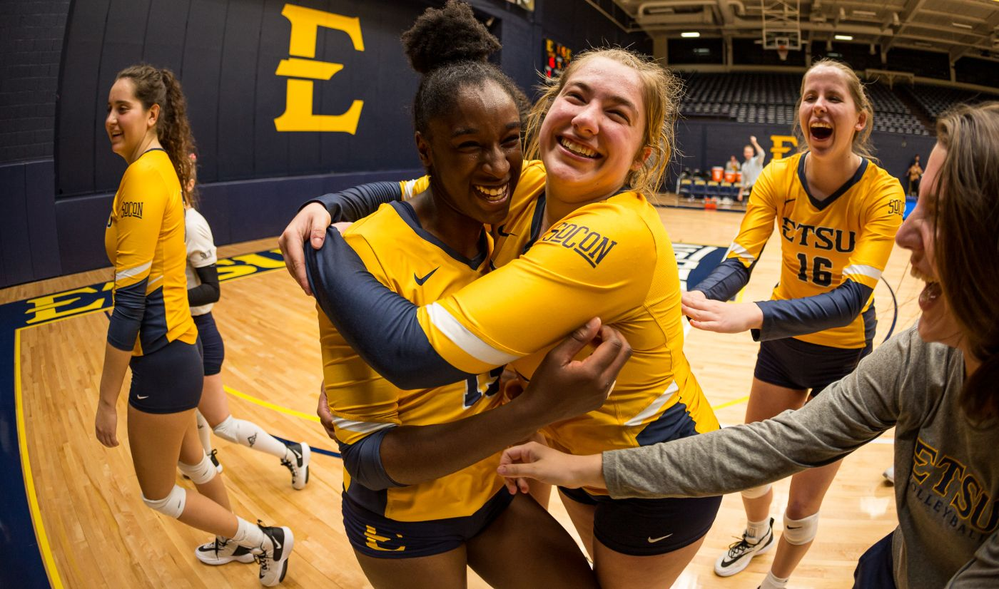 Bucs Complete Comeback Over Mocs; Hatch Ties Program Record With 29 Kills