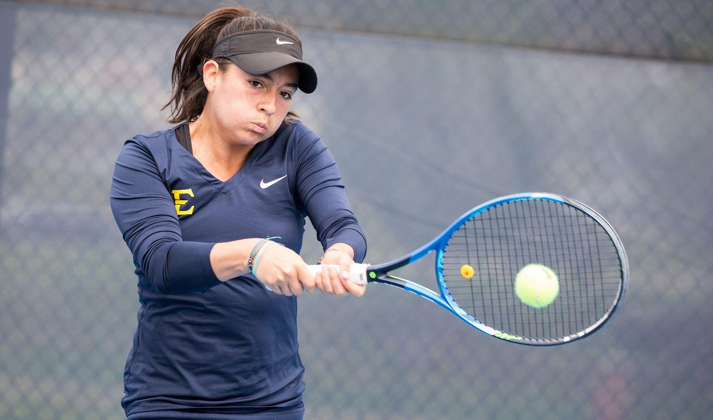 Women's tennis upsets Virginia Tech, 4-3