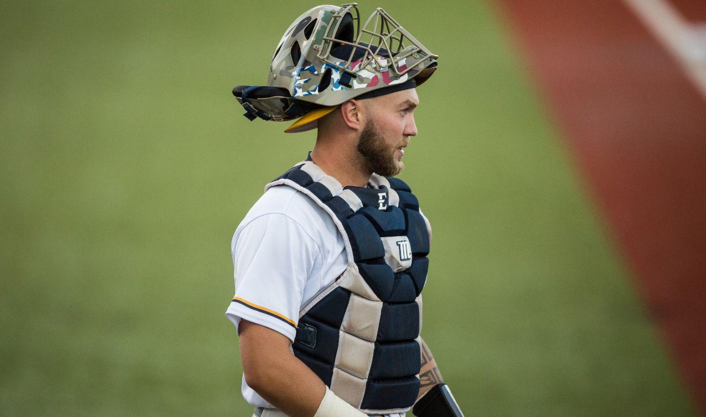 Baseball drops series opener to Samford, 5-1