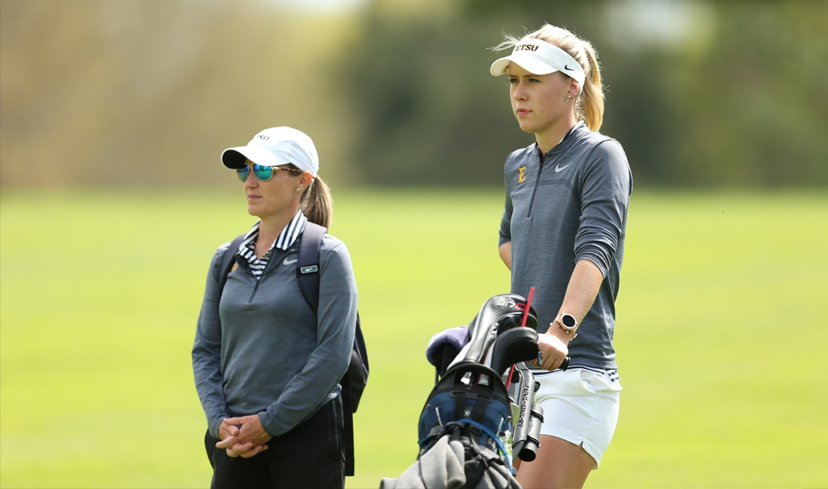 Melecka finishes seventh at Mercedes-Benz Intercollegiate