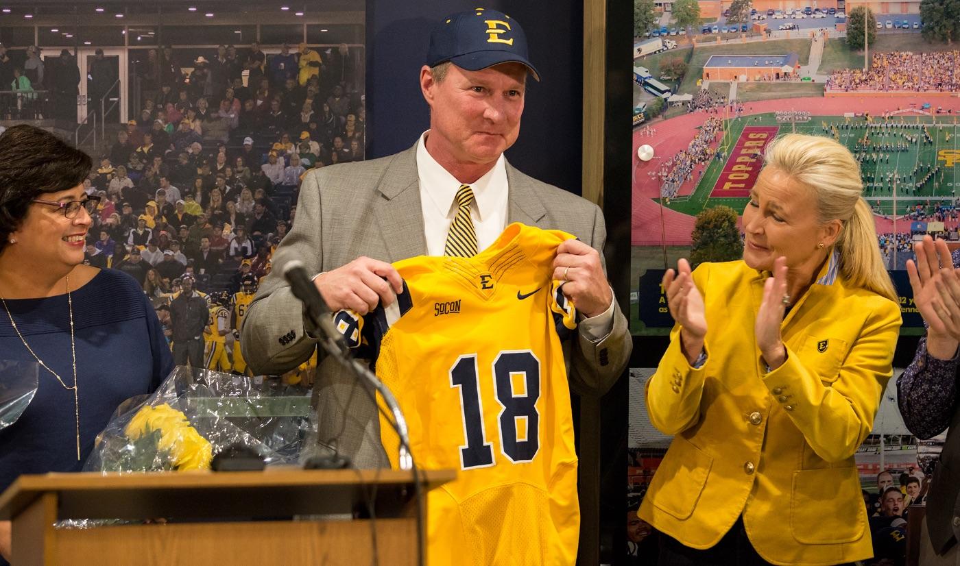ETSU names Randy Sanders head football coach