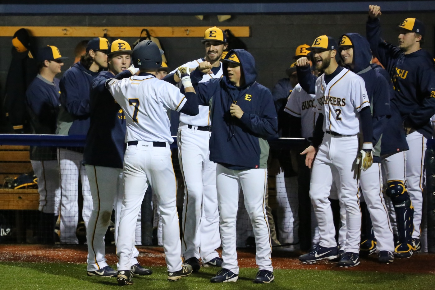 Dramatic ninth inning gives ETSU road win over FGCU