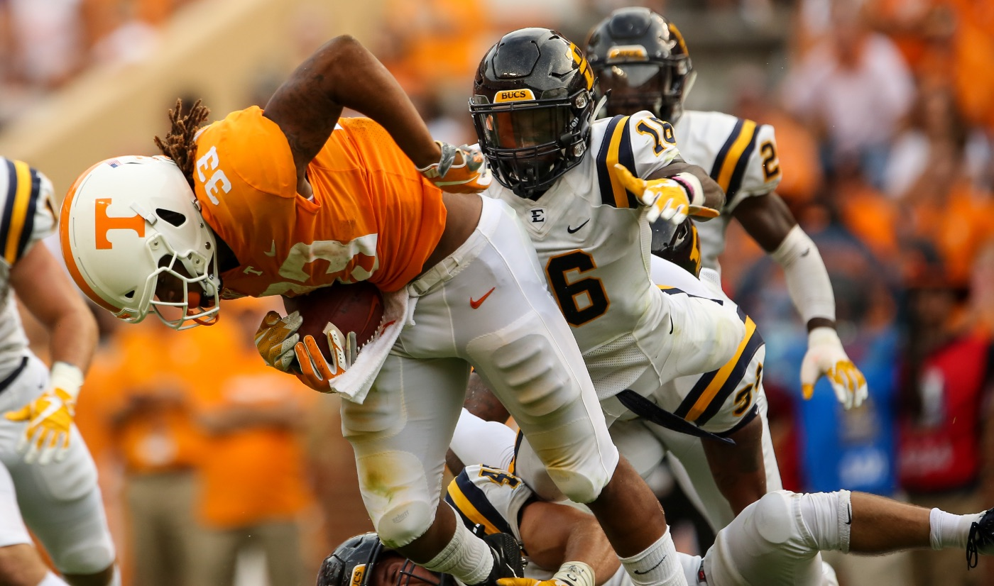 Second quarter woes sink Bucs in loss to Vols