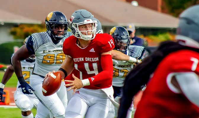 Ty Currie earned GNAC Offensive Player of the Week honors for Western Oregon after he finished with 253 yards of total offense and two touchdowns.