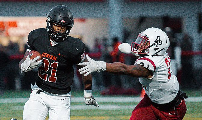 Michale Roots earned GNAC Offensive Player of the Week honors after he rushed for 221 yards and three touchdowns against Simon Fraser. He also surpassed 2,000 career rushing yards while at CWU.