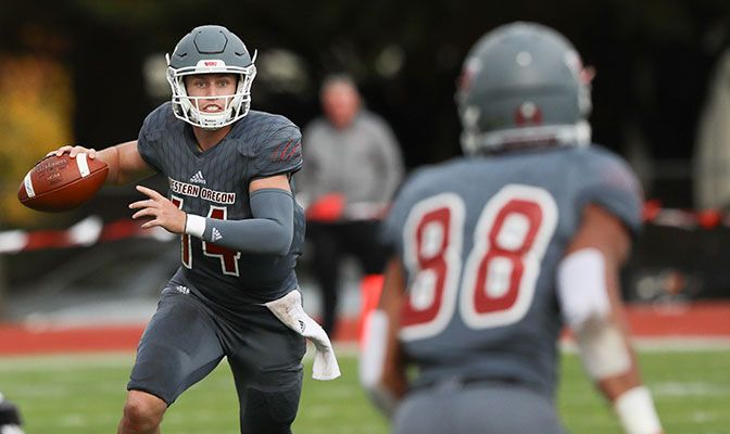 Western Oregon quarterback Ty Currie threw for 314 yards and had 364 yards of total offense in last week's win over Simon Fraser.