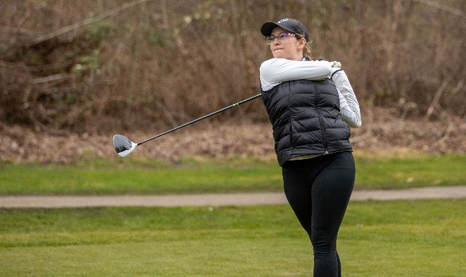 Vikings Pursue Top Spot At Women's Golf Championships