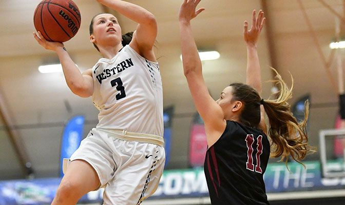 Peacocke Inks Professional Deal To Play In Portugal