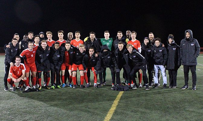 Simon Fraser ended the regular season 11-2-4 and led the GNAC in shots, goals, goals allowed and shutouts.