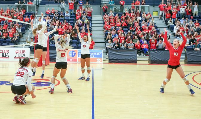 Simon Fraser upset preseason conference favorite Western Washington in a five-set match.