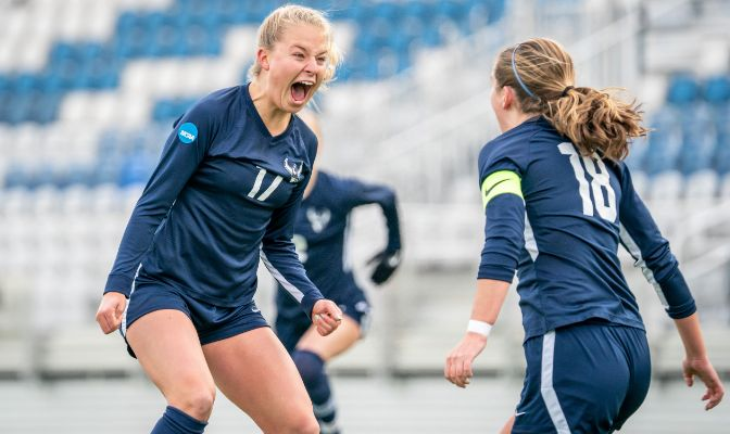 Grace Eversaul (17) scored the opening goal for the Vikings in the ninth minute, which proved to be the game-winner. Photo by Max Aquino.