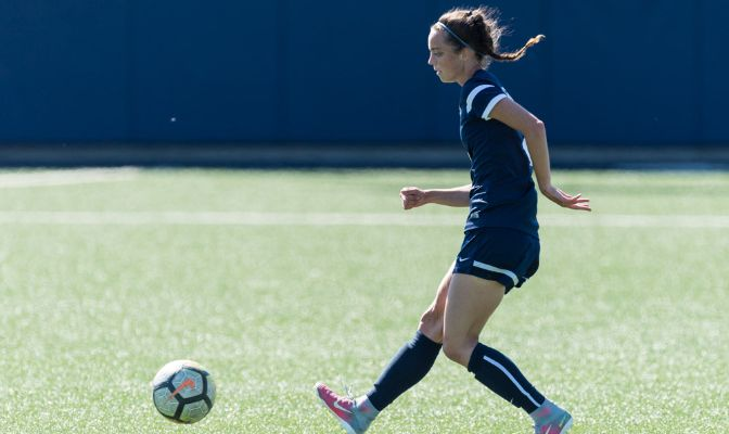 Van Steenberge recorded her seventh and eighth goals of the season after netting twice in the game's opening 23 minutes.