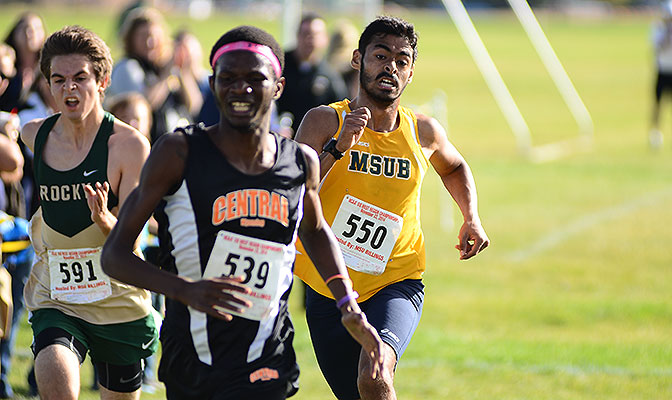 A three-sport performer for the Yellowjackets, Ivan Colmenero placed 15th in the 5,000 meters at the 2016 GNAC Indoor Track and Field Championships.