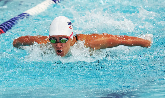 In addition to being a top performer during the college season, Lauren Swistak placed ninth in the 200-meter butterfly at the 2016 Canadian Olympic Trials.