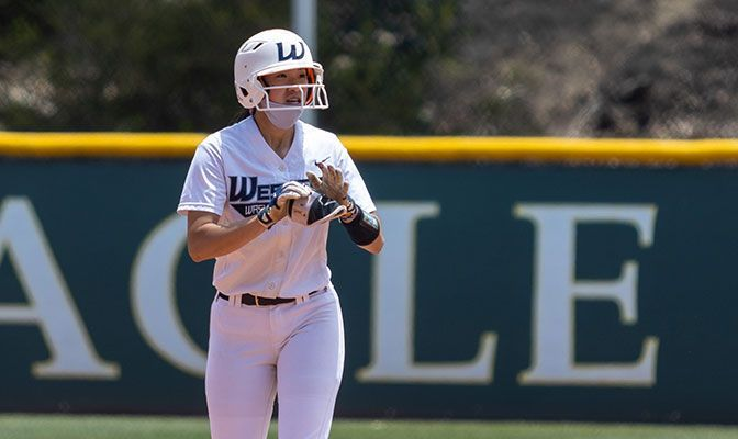 Lauren Lo led Western Washington by going 2 for 3 with a pair of doubles. Photo by Jeff Evans.
