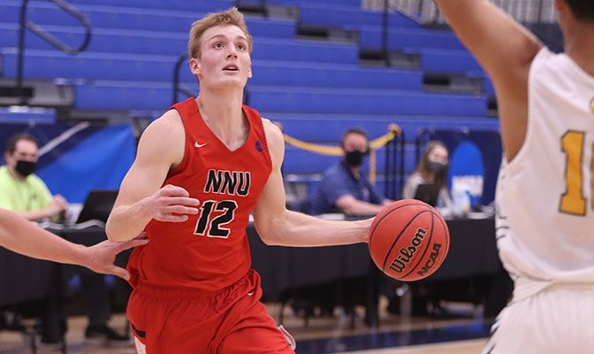 Sam Roth keyed the Nighthawks' first-half run, scoring 12 of his 18 points over the first 20 minutes. Photo by Samuel Boender.