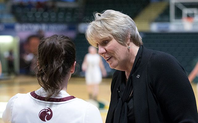 Julie Heisey amassed 271 wins in 13 years at Seattle Pacific and has 433 total wins as a collegiate head coach. Photo by Skip Hickey.