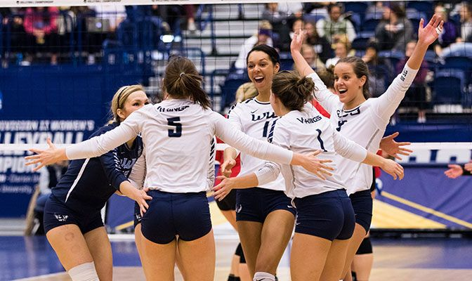 Western Washington advanced to its second-ever national championship match and finished the season with a 30-4 overall record. Photo by Bri Nellis.