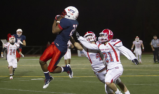 Simon Fraser's Lemar Durant had 12 receptions for 228 yards Saturday.
