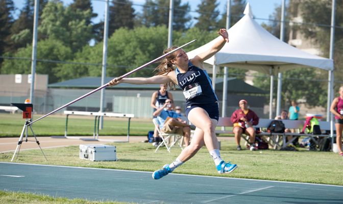 Bethany Drake returns for her junior season after redshirting in 2015. She was the national champion in the javelin in 2014.