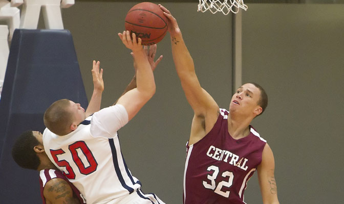 CWU's Mark McLaughlin (32) scored 32 points in home win over MSUB Thursday (Photo by Ron Hole)
